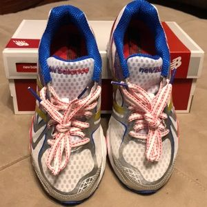 NB Woman's Running Shoes
